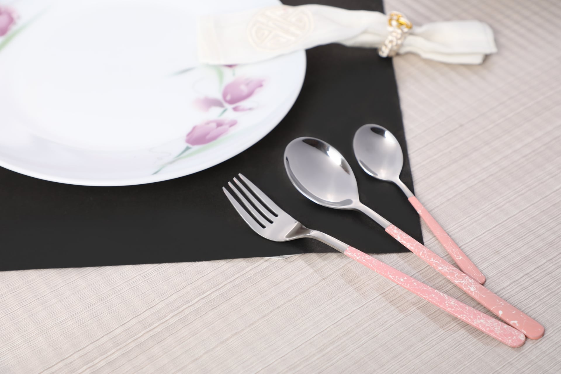 Viola Signature Cutlery Set