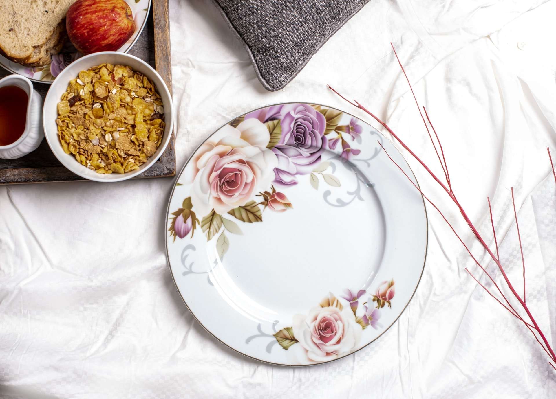 Viola Floral Ensemble Porcelain Dinner Plate