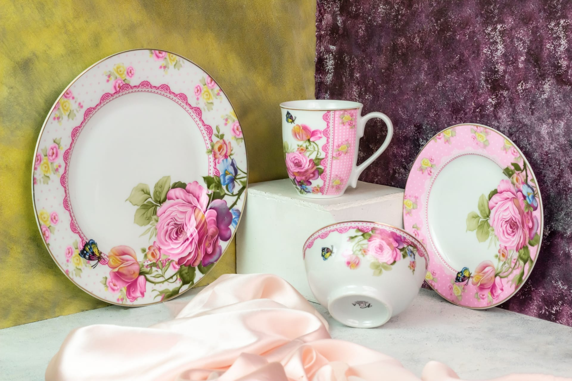 Viola Butterfly Bloom Porcelain Dinner Set of 4