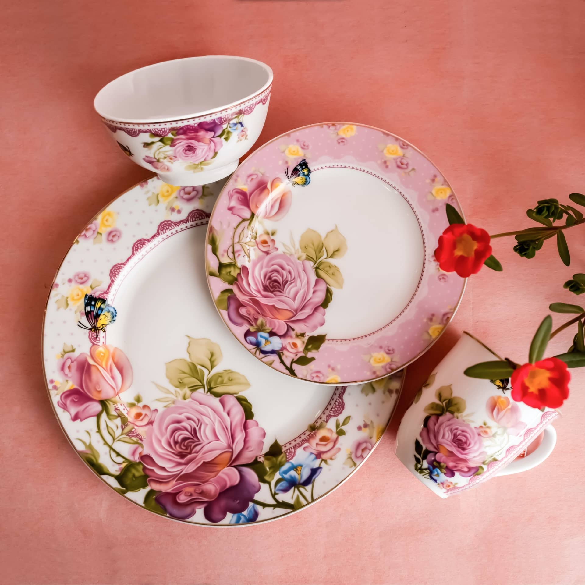 Viola Paeonia Porcelain Dinner Set of 4